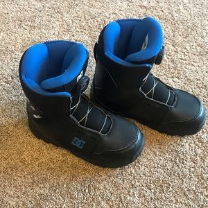 Snow boarding boots- NWT and never been worn